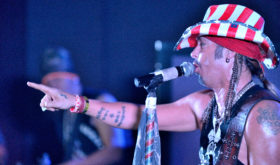 Bret Michaels Ignites the Fans at Dillinger's Entertainment Center and Restaurant!